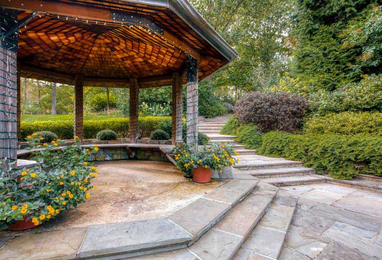 10 minutes to beautiful Brookside Gardens in Wheaton, MD