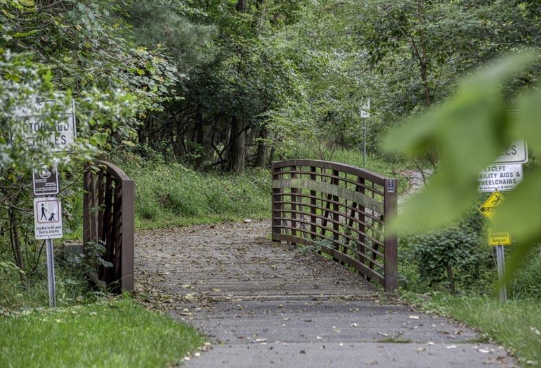 5 minutes to 4.2-mile Mathew Henson Trail