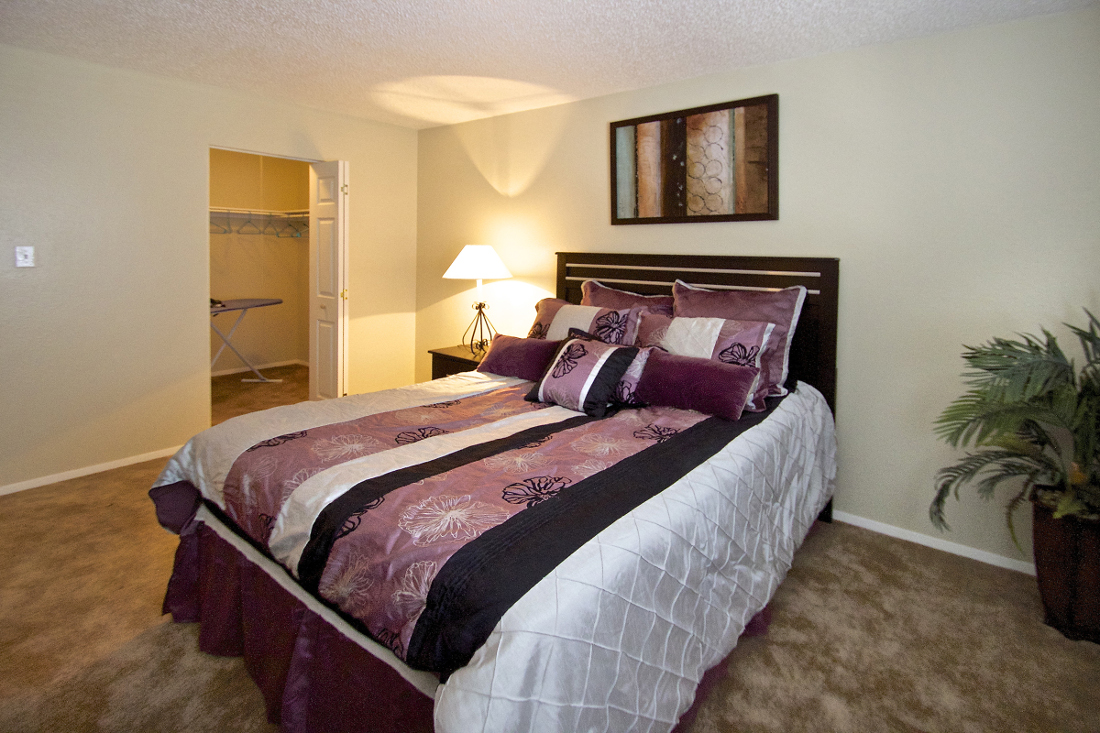 2-Bedroom Apartments for Lease at Villas of Oak Creste Apartments in San Antonio, TX