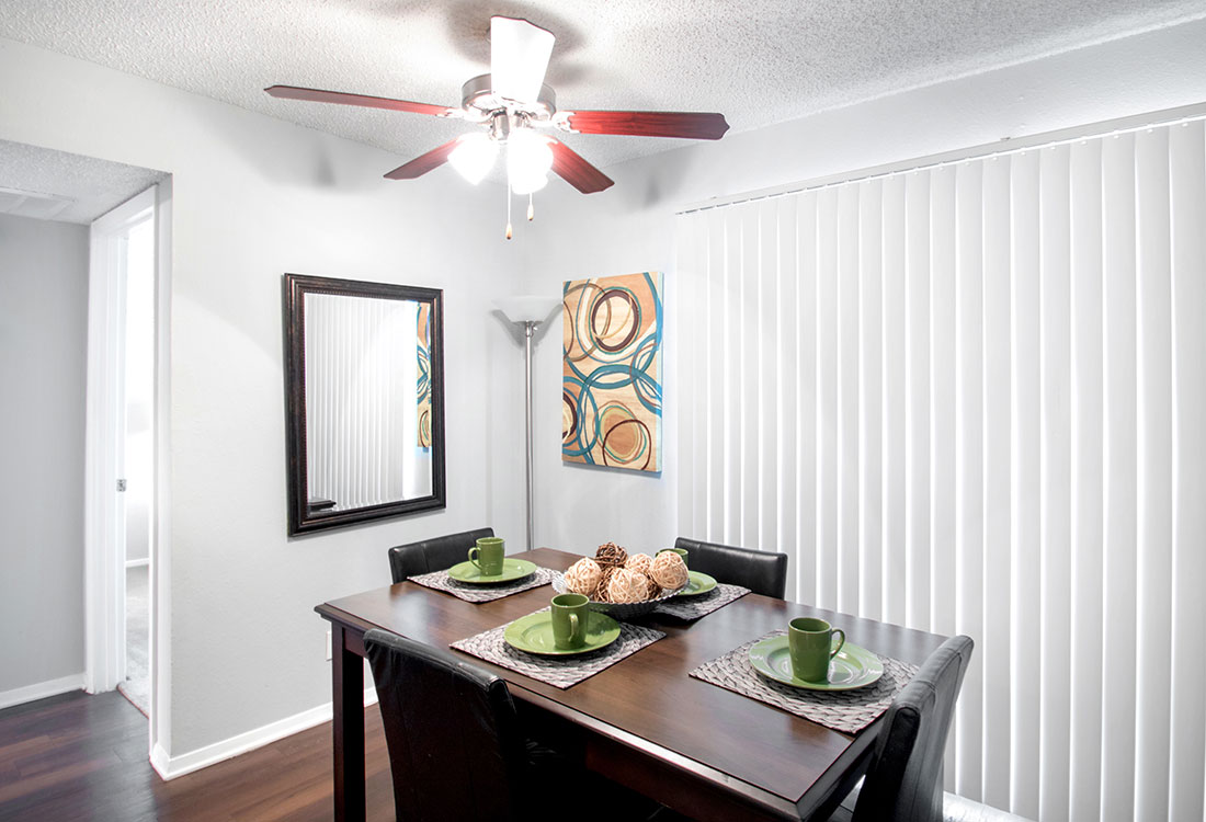 Separate Dining Area at Villas of Oak Creste Apartments in San Antonio, TX