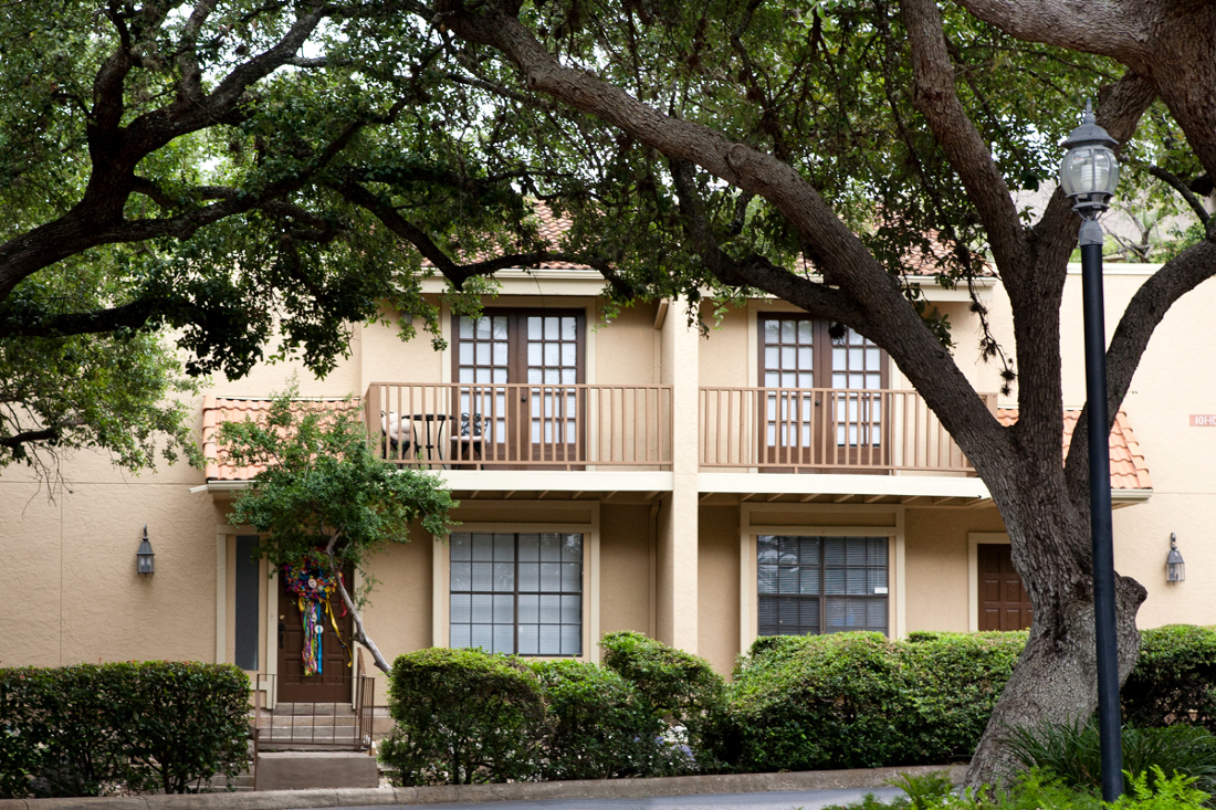 Apartments for Rent at Villas of Oak Creste Apartments in San Antonio, TX