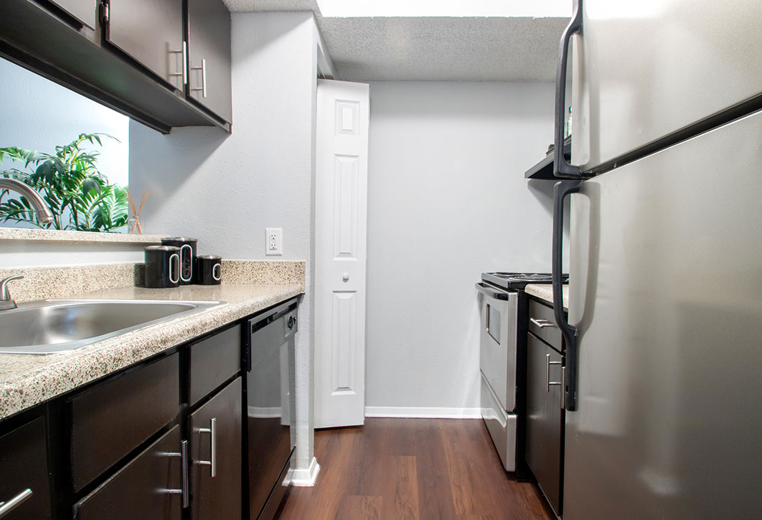 Stainless Steel Appliances at Villas of Oak Creste Apartments in San Antonio, TX