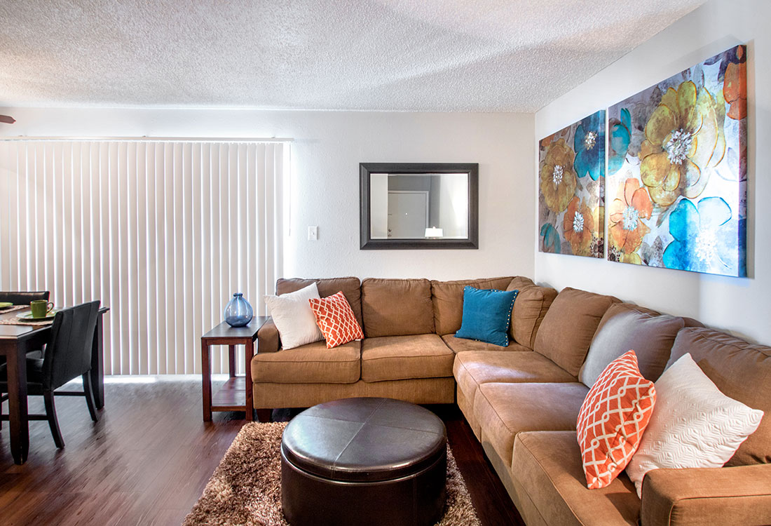 Spacious Living Room at Villas of Oak Creste Apartments in San Antonio, TX