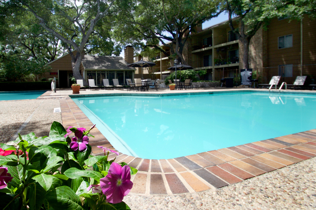 Sparkling Swimming Pool at Villas of Oak Creste Apartments in San Antonio, TX
