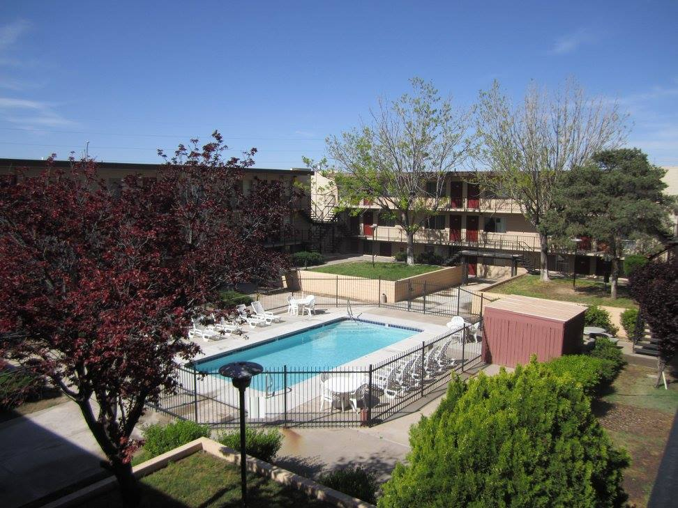 Sparkling Swimming Pool at The Villas @ Uptown Apartments in Albuquerque, NM