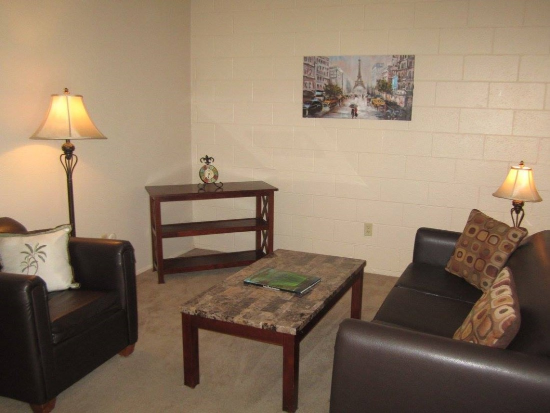 Neutral Color Scheme at The Villas @ Uptown Apartments in Albuquerque, NM