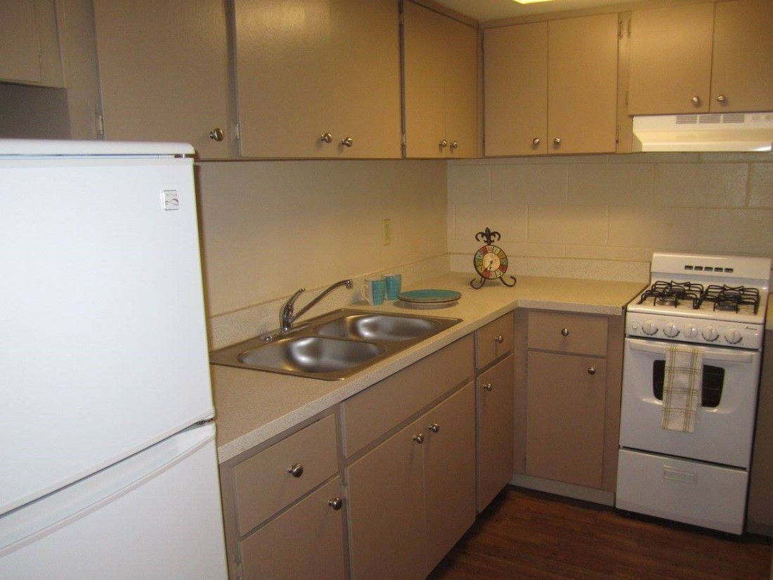 White Kitchen Appliances at The Villas @ Uptown Apartments in Albuquerque, NM