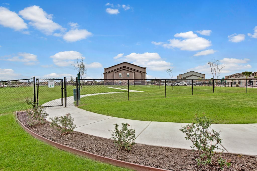 Sidewalks at Vista Monterrey Apartment Homes in Brownsville, Texas