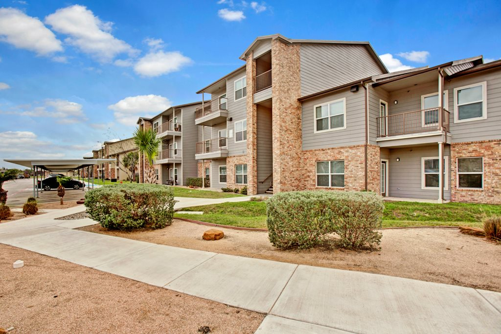 Luxury Apartments at Vista Monterrey Apartment Homes in Brownsville, Texas
