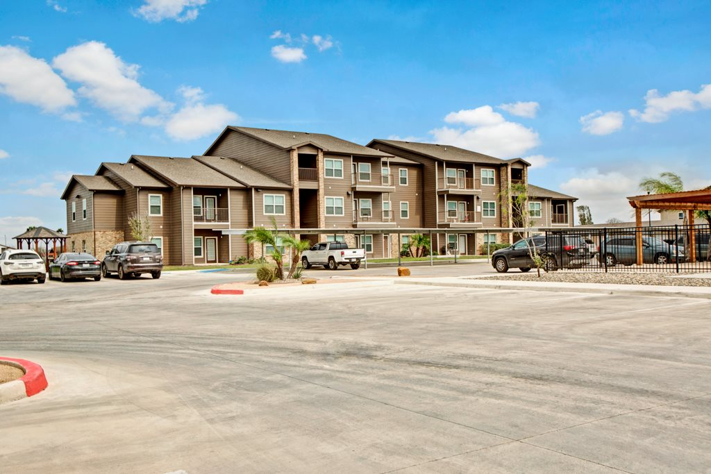 Luxury Rentals in Brownsville at Vista Monterrey Apartment Homes in Brownsville, Texas
