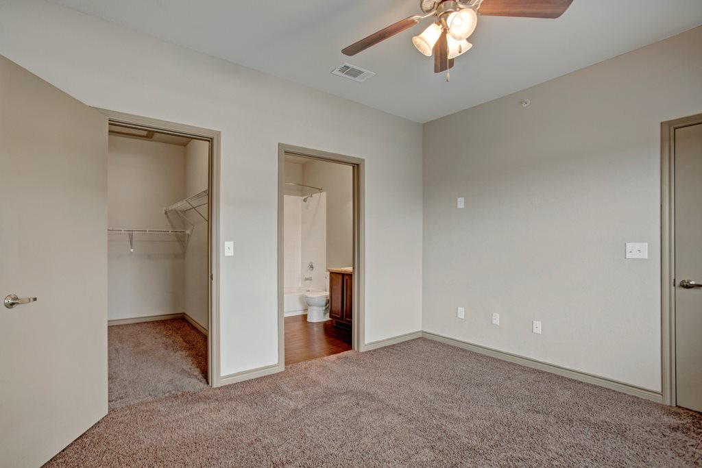 Carpeting at Vista Monterrey Apartment Homes in Brownsville, Texas