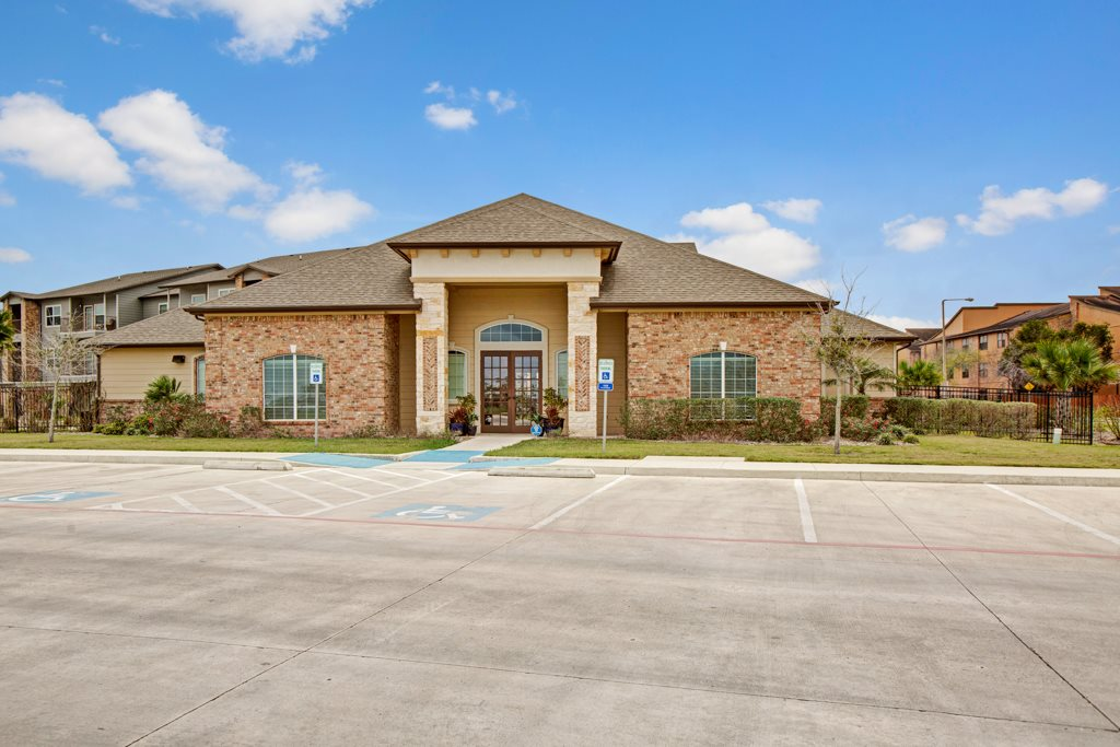 Professional Management at Vista Monterrey Apartment Homes in Brownsville, Texas