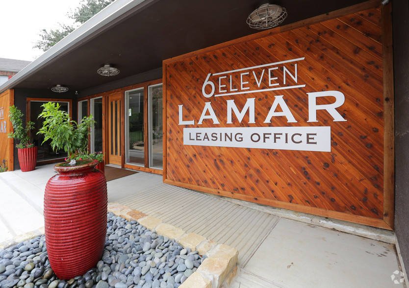 On-Site Management at 6Eleven Lamar Apartments in Arlington, Texas