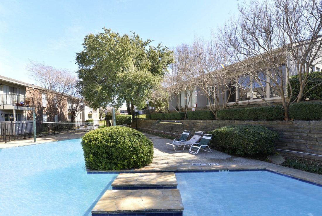Swimming Pool at 6Eleven Lamar Apartments in Arlington, Texas