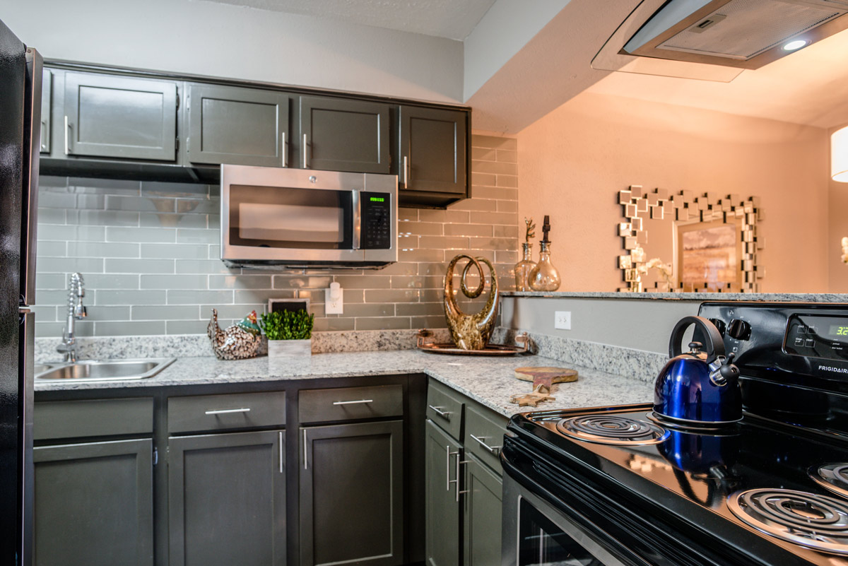 Newly Renovated Kitchen at 6Eleven Lamar Apartments in Arlington, Texas