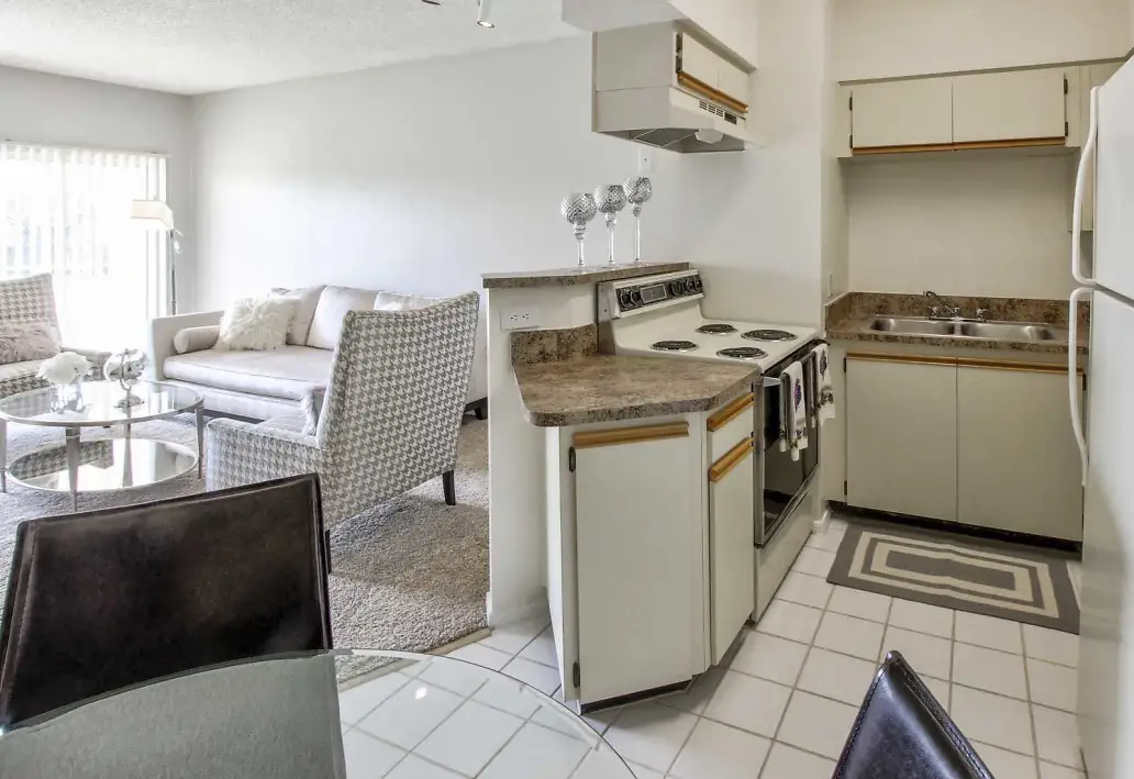 Electric Appliances at Waterford Landing Apartments in Miami, FL
