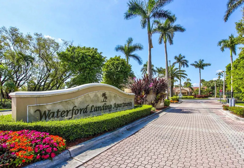 Serene Community at Waterford Landing Apartments in Miami, FL