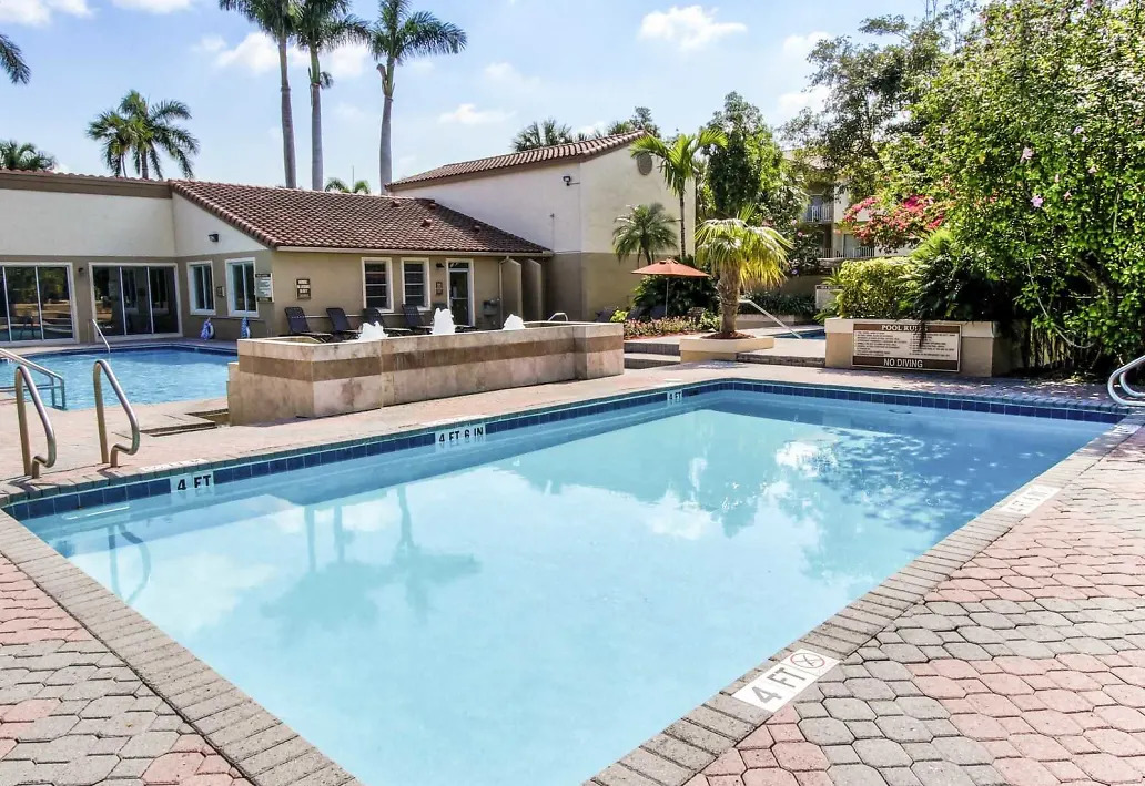 Two Swimming Pools at Waterford Landing Apartments in Miami, FL