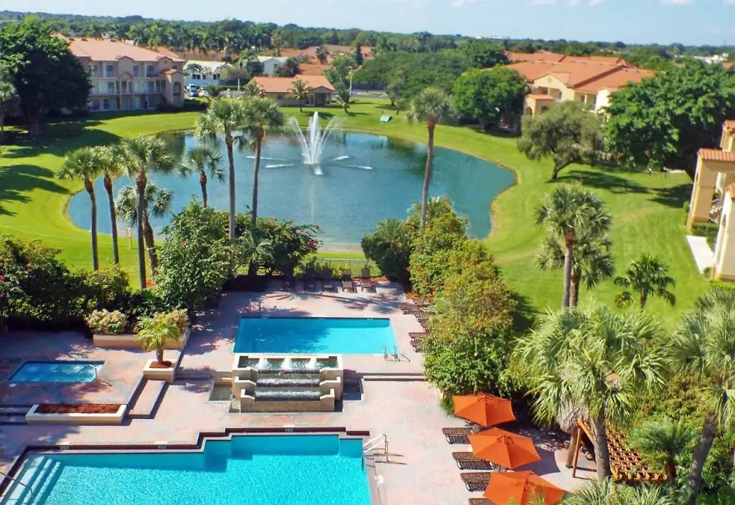 Resort Style Community at Waterford Landing Apartments in Miami, FL