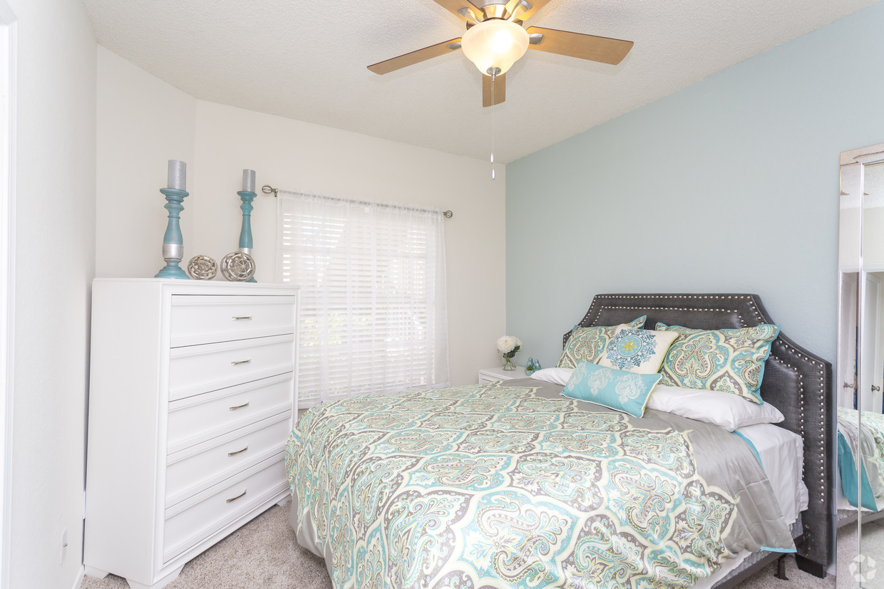 Bedroom with Ceiling Fan at Waterford Landing Apartments in Miami, FL