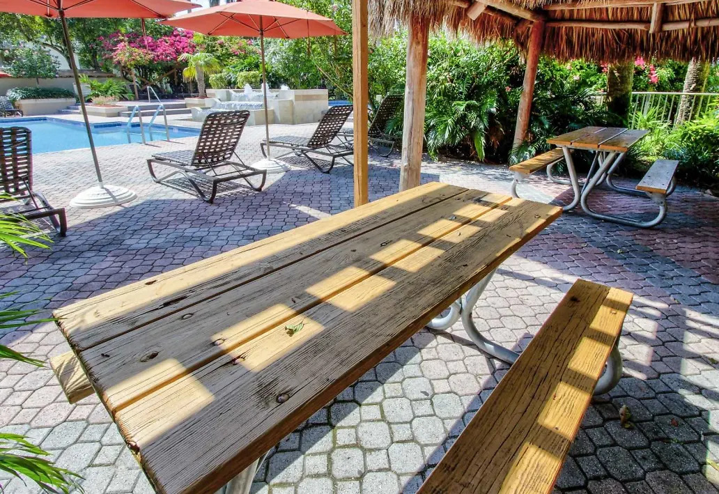 Picnic Tables at Waterford Landing Apartments in Miami, FL