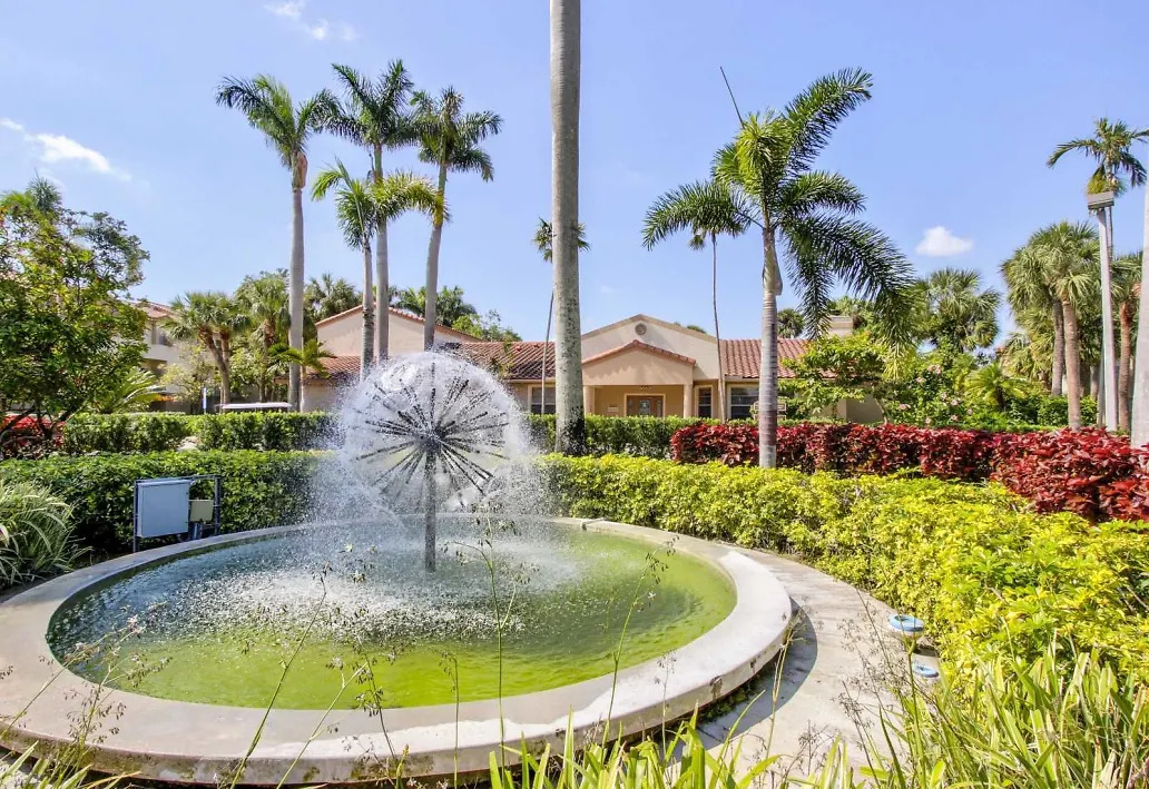 Water Features at Waterford Landing Apartments in Miami, FL