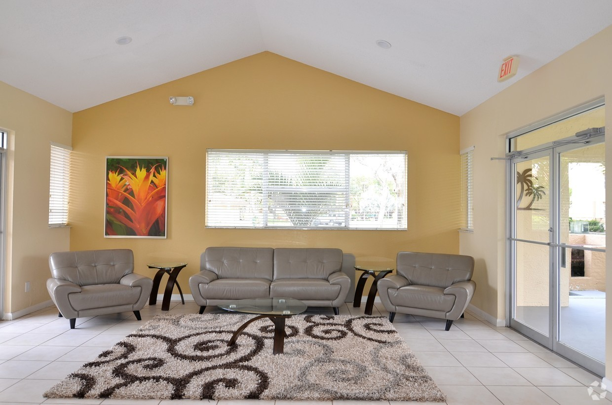 Apartments for Lease at Waterford Landing Apartments in Miami, FL