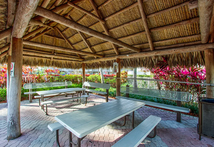 Covered Picnic Area at Waterford Point Apartments in Miami, Florida