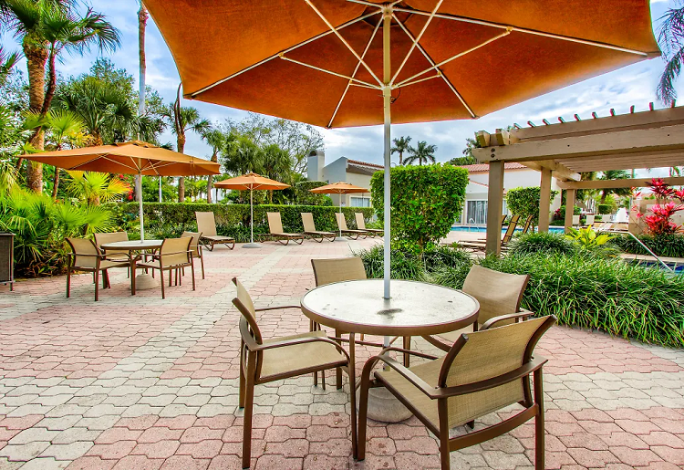 Outdoor Furniture at Waterford Point Apartments in Miami, Florida