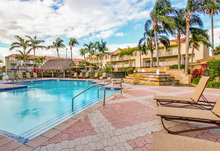 Resort-Style Pool at Waterford Point Apartments in Miami, Florida