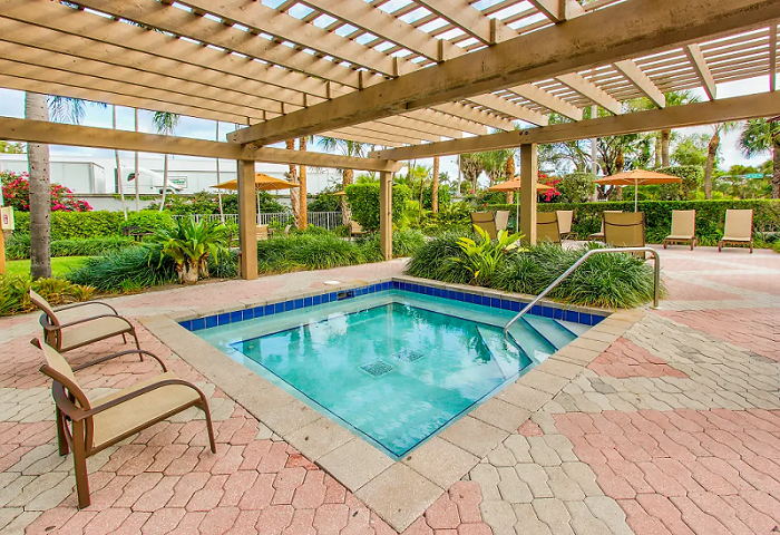 Hot Tub at Waterford Point Apartments in Miami, Florida