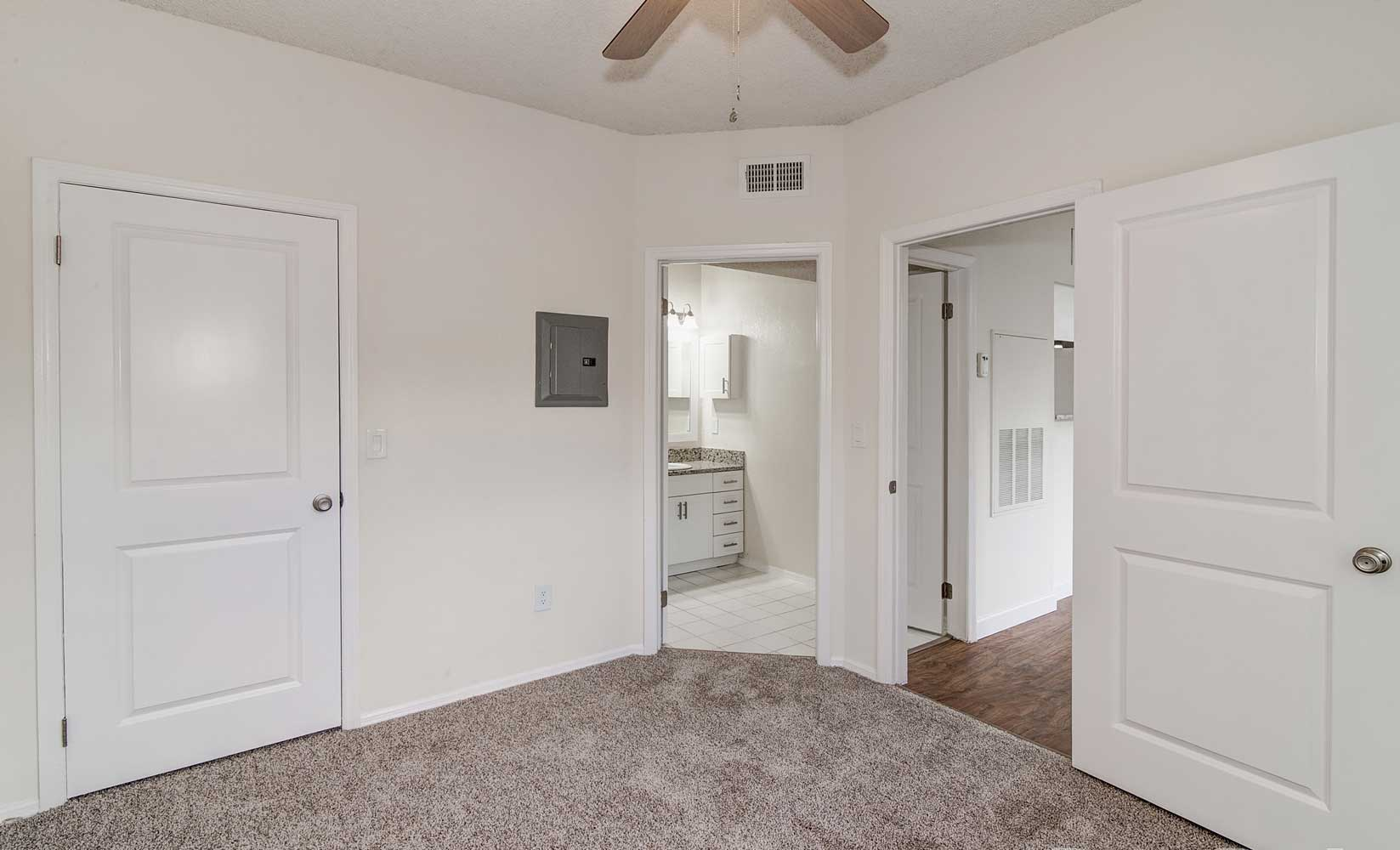 Spacious One & Two Bedroom Floor Plans at Waterford Point Apartments in Miami, Florida