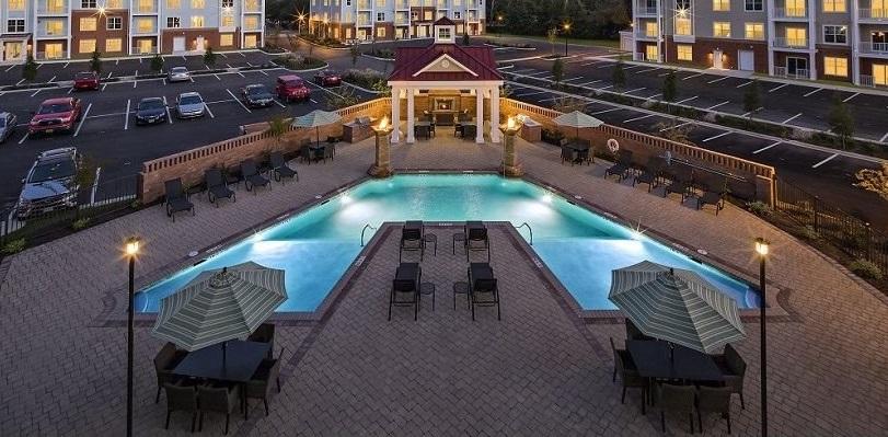 Resort-Style Swimming Pool at The Watermark Apartments in Norfolk, Virginia