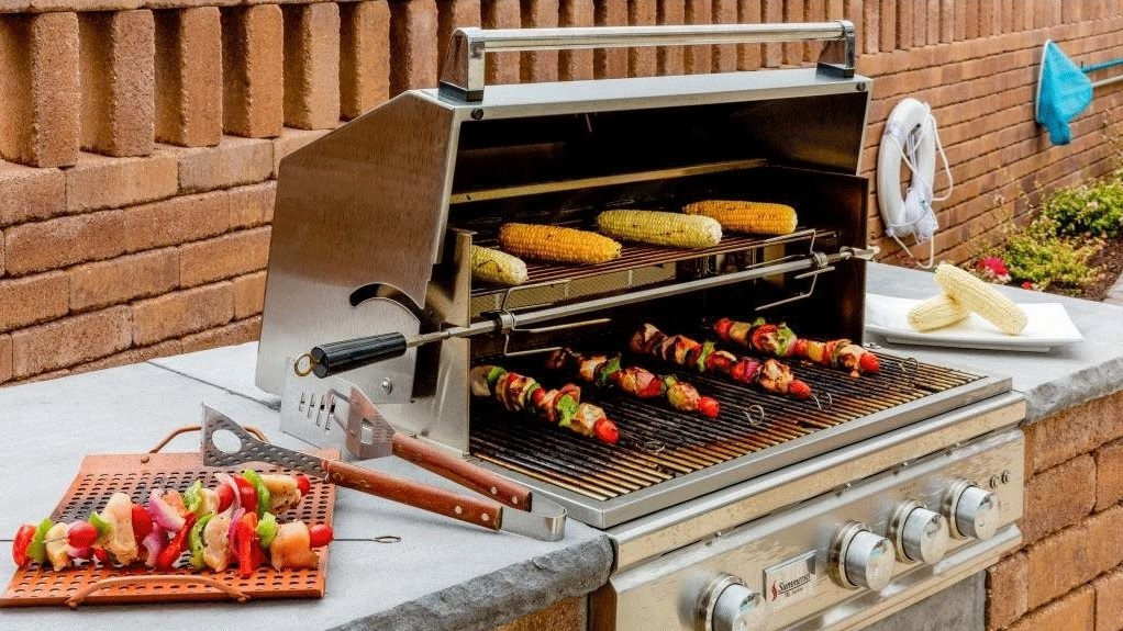 Grilling Station at The Watermark Apartments in Norfolk, Virginia