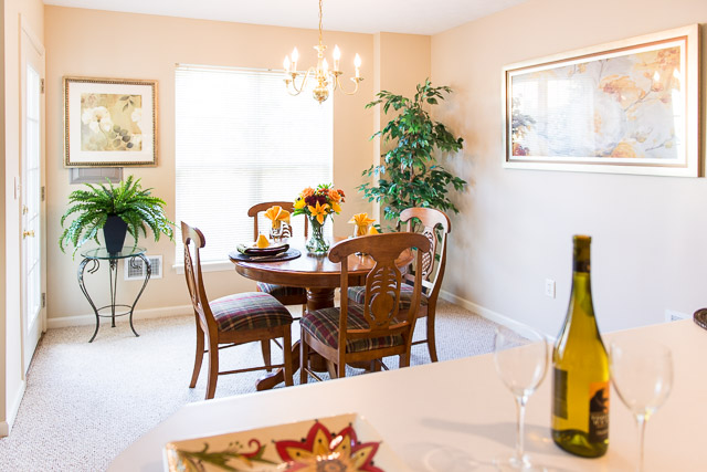 Dining Area at Webster Woods Apartments in Webster, New York