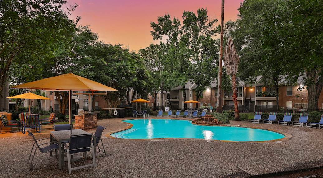 Sparkling Swimming Pool at Westmount at Summer Cove Apartments in Houston, TX