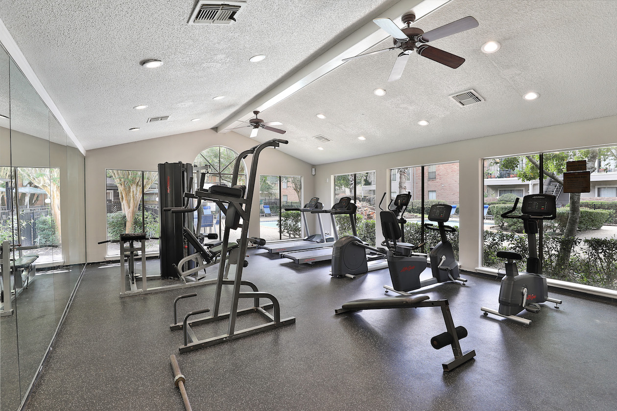 Fully Equipped Fitness Center at Westmount at Summer Cove Apartments in Houston, TX