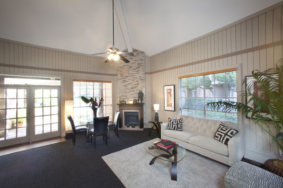 Community Clubhouse at Westmount at Copper Mill Apartments in Houston, Texas