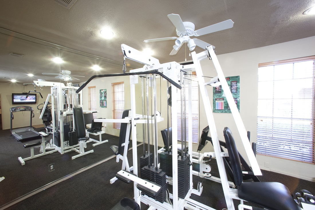 Community Fitness Center at Westmount at Copper Mill Apartments in Houston, Texas