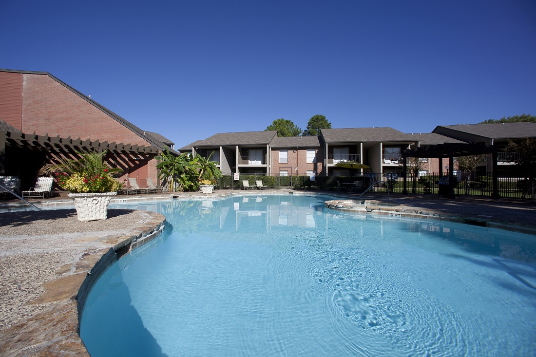 Sparkling Swimming Pool at Westmount at Copper Mill Apartments in Houston, Texas
