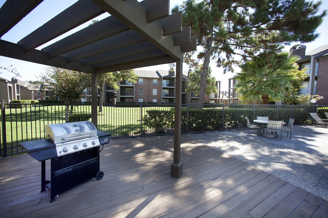 Community Grill Stations at Westmount at Copper Mill Apartments in Houston, Texas