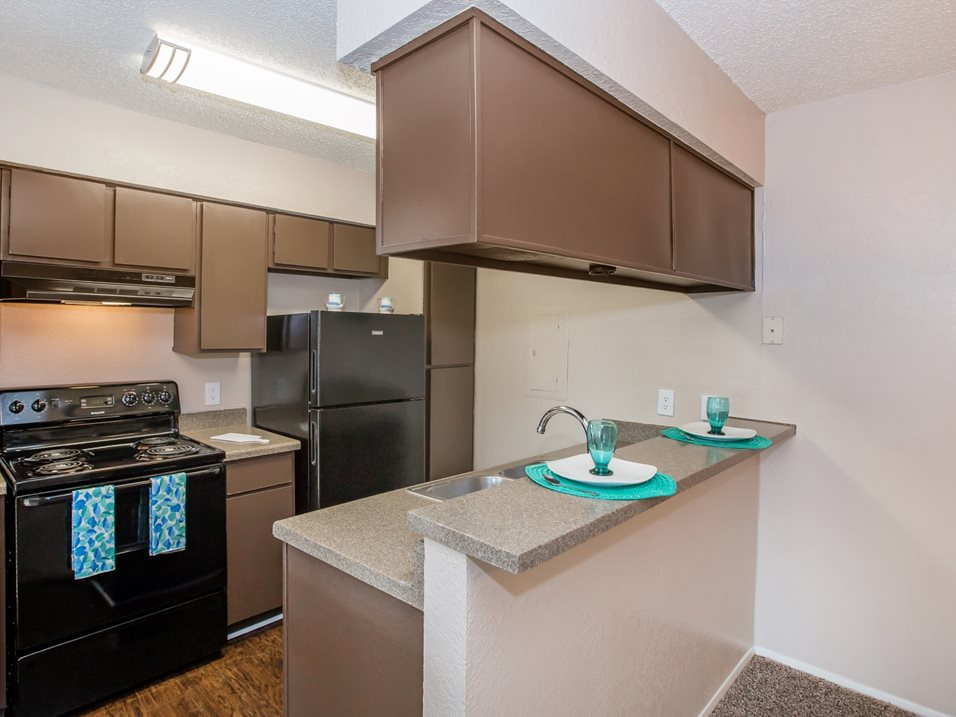 Fully Equipped Kitchen at Westmount at Forest Oaks Apartments in Arlington, TX