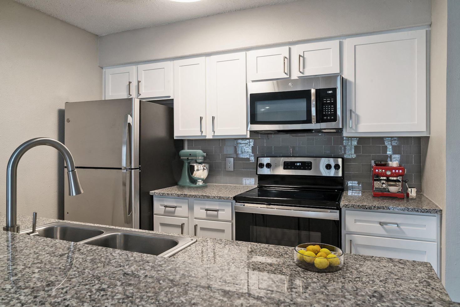 Stainless Steel Appliances Available t Westmount at River Park Apartments in Fort Worth, TX