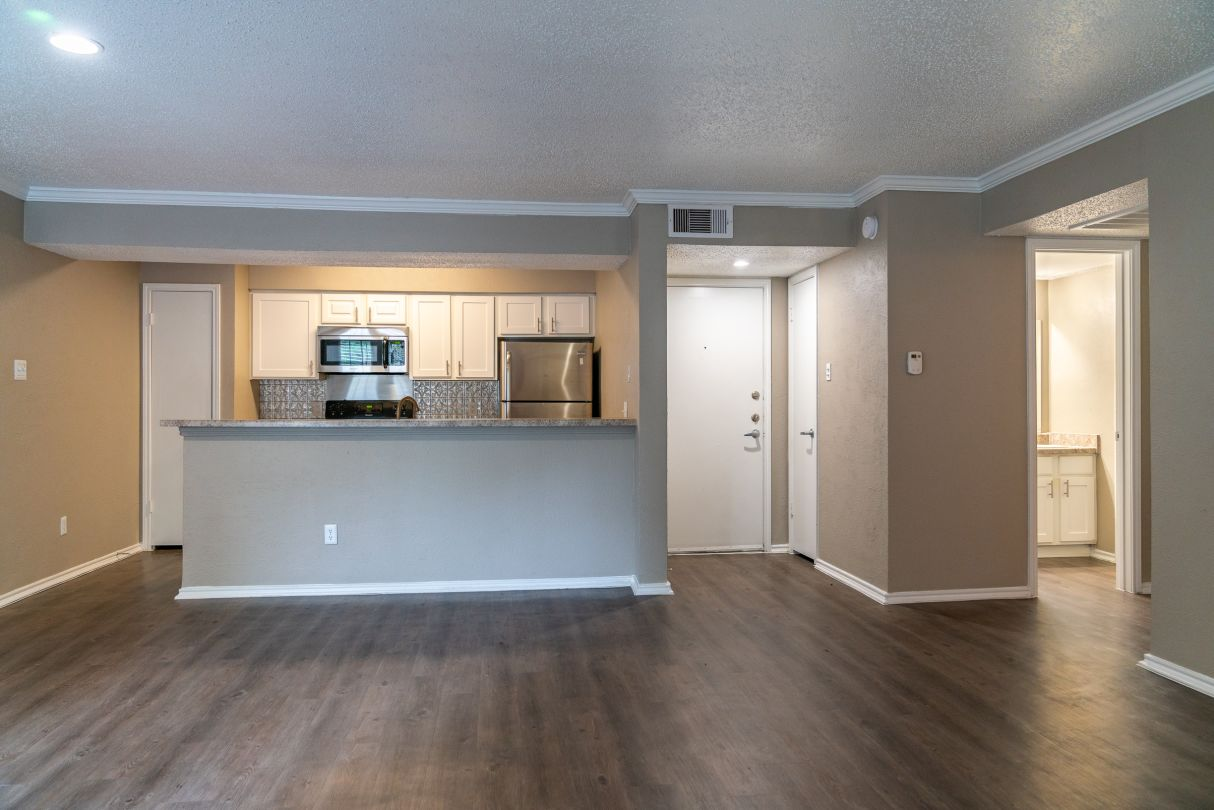Breakfast Bar at Westmount at River Park Apartments in Fort Worth, TX