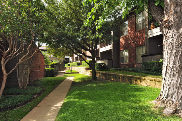 Resident Walking Paths at Westwind Apartments in Denton, TX