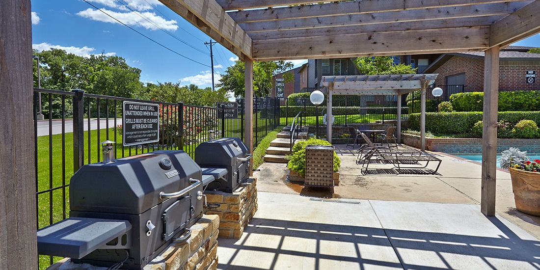 Pergola with Grilling Stations at Westwind Apartments in Denton, TX
