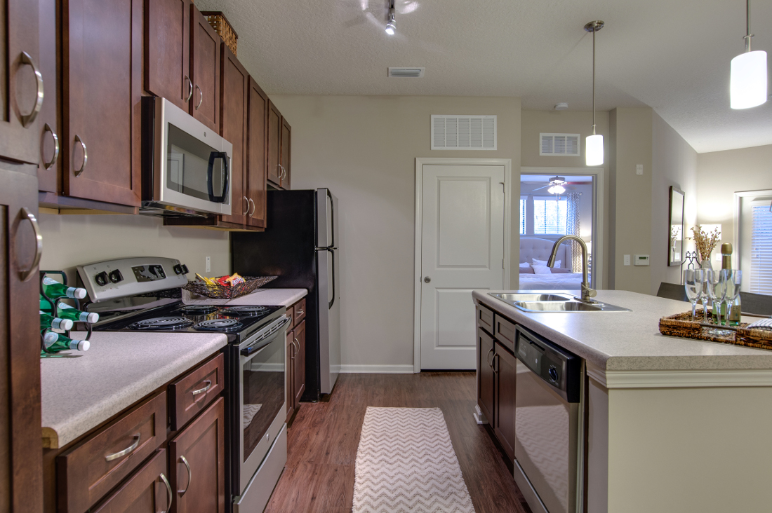 Fully Equipped Kitchen at Whitepalm Luxury Apartment Homes in Port Orange, FL