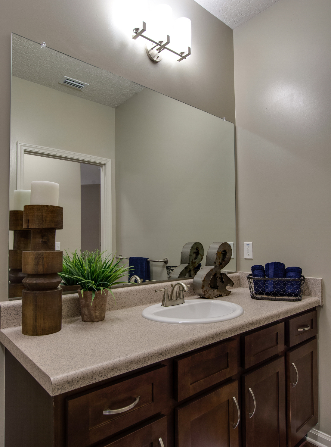 Mirror Vanity at Whitepalm Luxury Apartment Homes in Port Orange, FL