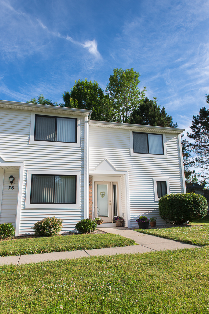 Penfield Apartment Rentals at Willow Pond Apartments and Townhouses in Penfield, New York