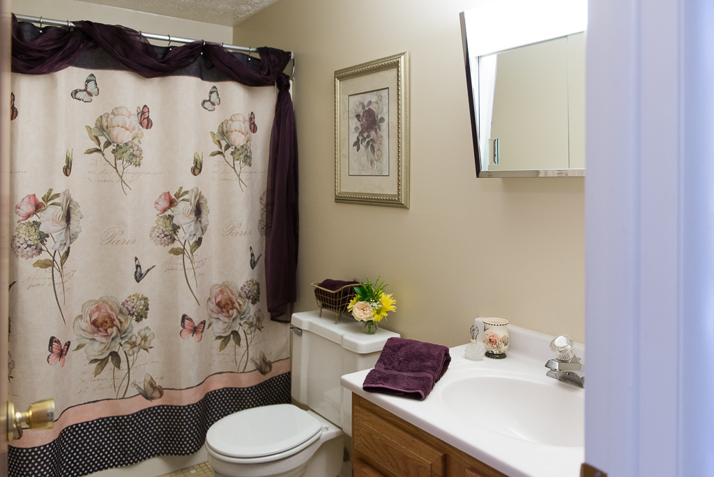 Shower and Bathtub Combination at Willow Pond Apartments and Townhouses in Penfield, New York